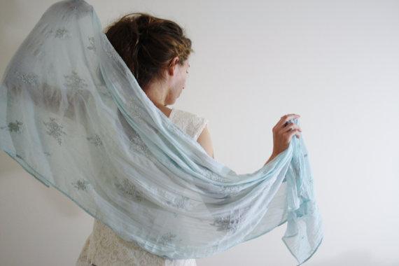 A beautiful scarf!